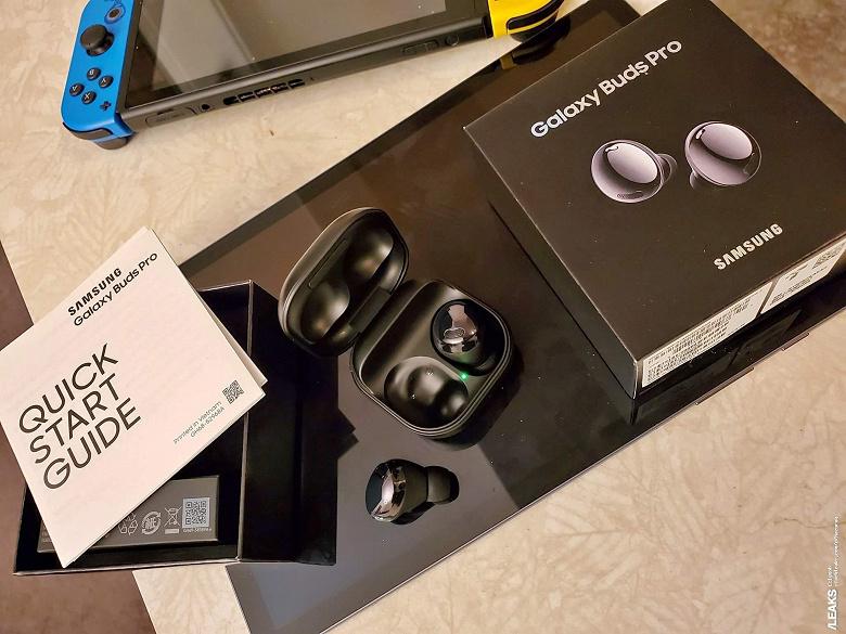 Первые живые фото Samsung Galaxy Buds Pro: наушники, упаковка и комплект поставки