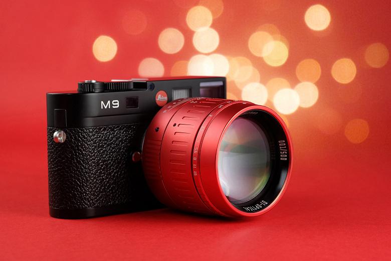 TTartisan отмечает год Быка выпуском ярко-красного объектива 50mm F0.95