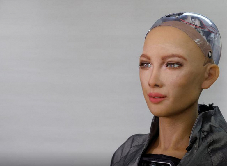 Создатели робота Sophia планируют его массовое внедрение в условиях пандемии