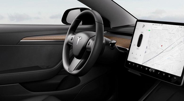 Бестселлер Tesla Model 3 стал ещё лучше. Обновлённый дизайн и долгожданный руль с подогревом
