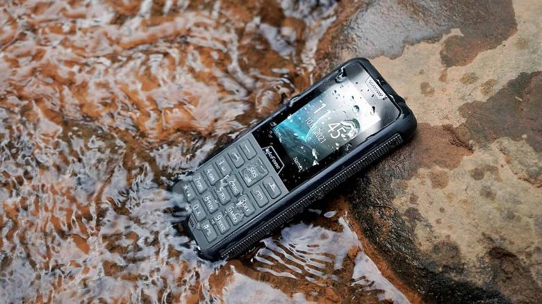 «Редкая птица» на рынке телефонов. Защищённый Ulefone Armor Mini 2 получил 2,4-дюймовый экран и кнопки