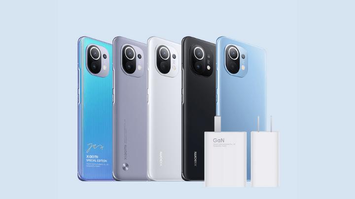 У суперхита Xiaomi Mi 11 проблема: мощный зарядник отправляет смартфон в бесконечную перезагрузку