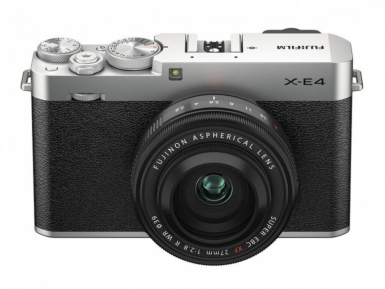 Производитель называет беззеркальную камеру Fujifilm X-E4 самой компактной в серии Х