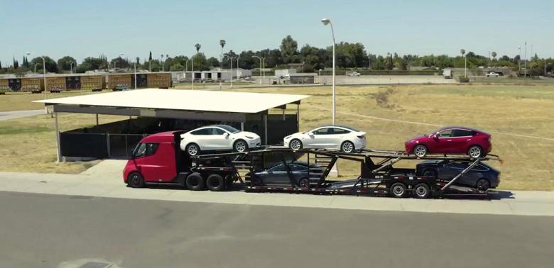 Компания Tesla готова начать выпуск грузовиков Semi, но для них пока не хватает аккумуляторов