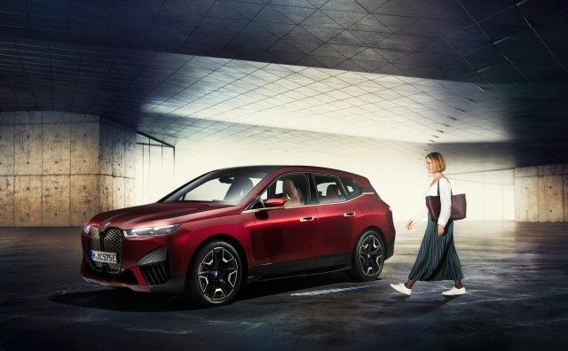 Владельцы BMW смогут разблокировать автомобили, не прикасаясь к своему смартфону iPhone