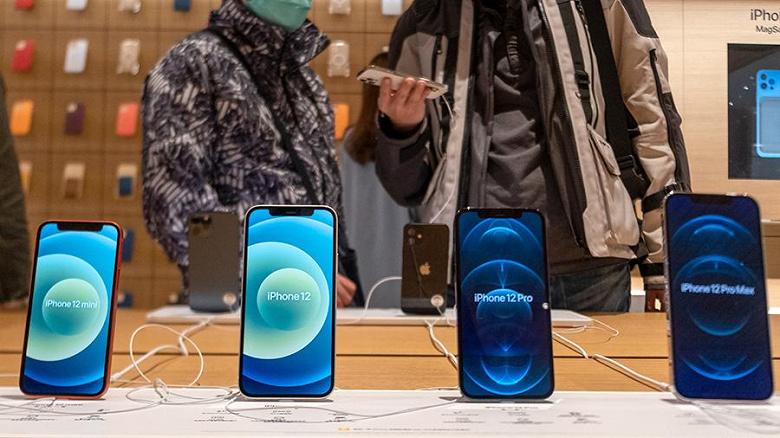 Самый дешёвый и маленький iPhone 12 не «взлетел» в России. Он продаётся хуже всего