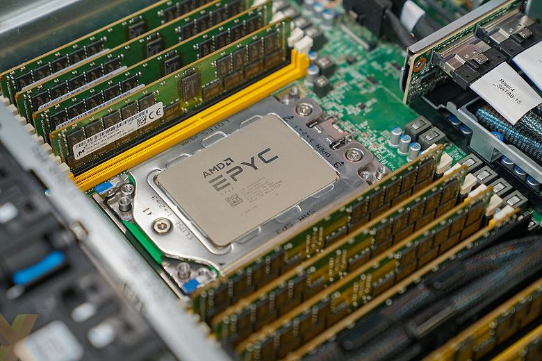 Как один 32-ядерный процессор AMD победил два 28-ядерных CPU Intel. Хотя и с оговорками