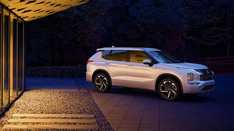 Mitsubishi переходит на беспроводной CarPlay