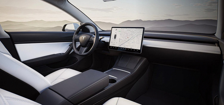 Tesla обновила центральную консоль электромобиля Model Y