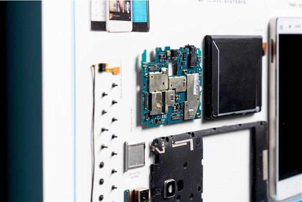 Xiaomi Mi 6 и Mi Mix всего за 30 долларов: Xiaomi превращает свои старые бестселлеры в произведение искусства