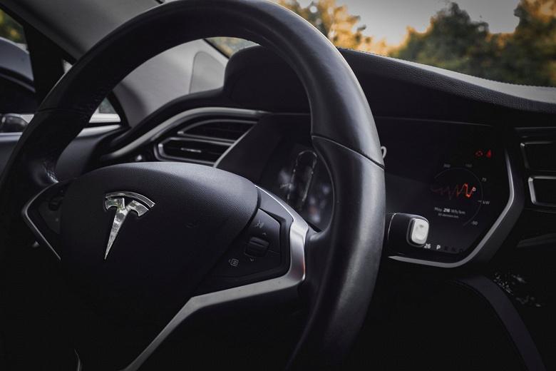 Tesla инвестировала $1,5 млпд в Bitcoin и хочет принимать оплату за свои автомобили в этой криптовалюте