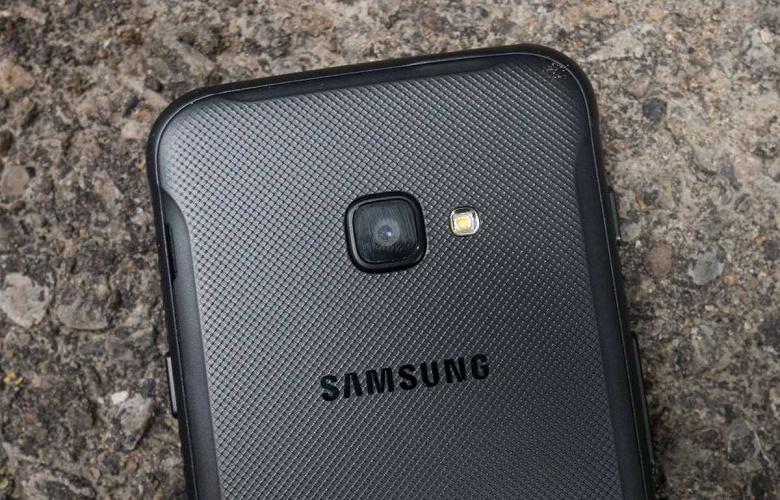 И близко не монстр автономности, но зато новый защищённый смартфон Samsung. Компания готовится выпустить GalaxyXCover5