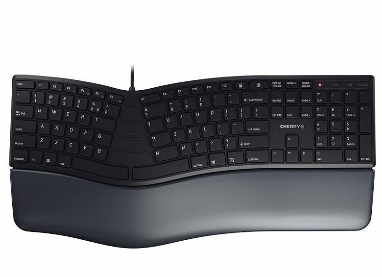 Клавиатуре Cherry KC 4500 Ergo придан эргономичный изгиб