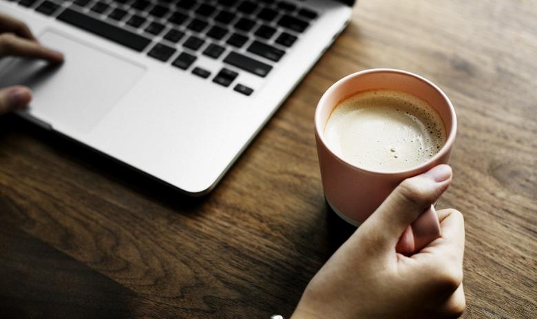 Майнинг на ноутбуке прямо в кафе позволяет окупить кофе