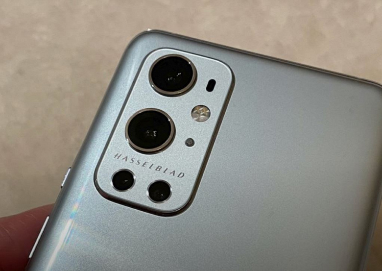 Snapdragon 888, IP68, экран QHD+ с частотой 120 Гц и квадрокамера Hasselblad. OnePlus 9 Pro позирует на живых фото