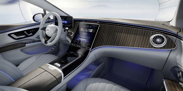Mercedes-Benz показала футуристический интерьер флагманского электрического седана EQS с 56-дюймовым «гиперскрином»