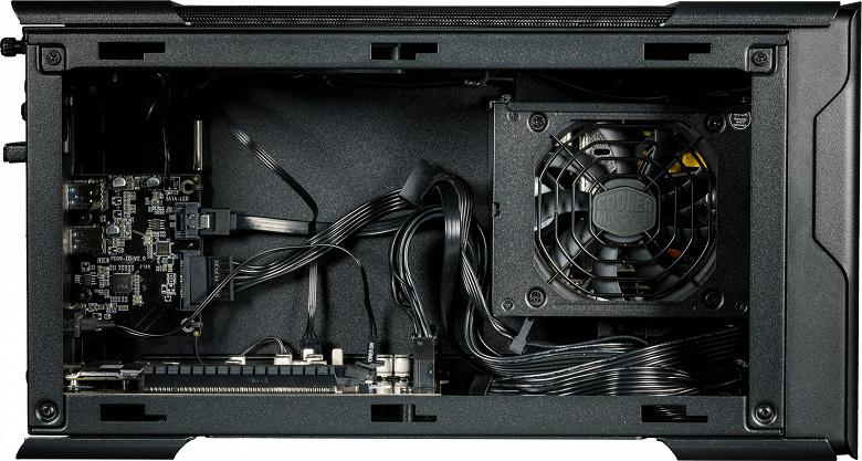 В корпусе для внешней видеокарты MasterCase EG200 есть отсек для накопителя с поддержкой горячей замены