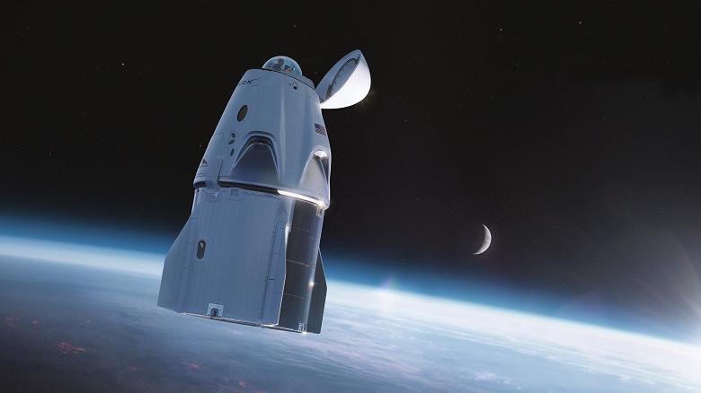 SpaceX установит стеклянный обзорный купол на Crew Dragon для космических туристов