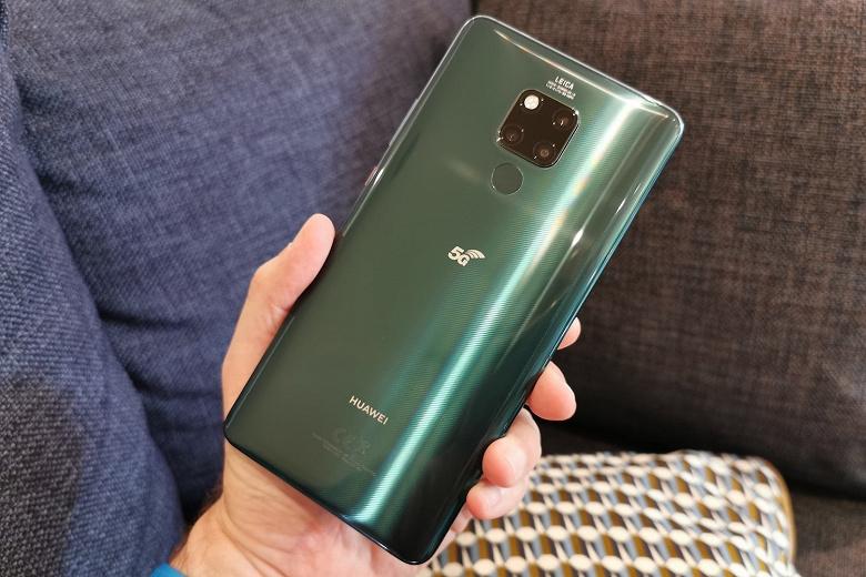Стабильная EMUI 11 прибыла на самый первый смартфон Huawei эпохи 5G
