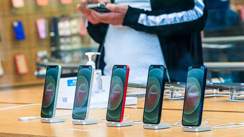 Apple сокращает заказы на сборку iPhone 12 mini на это полугодие