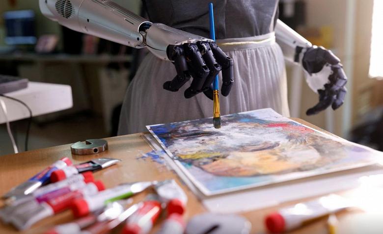 Картина, написанная роботом, продана почти за 700 000 долларов