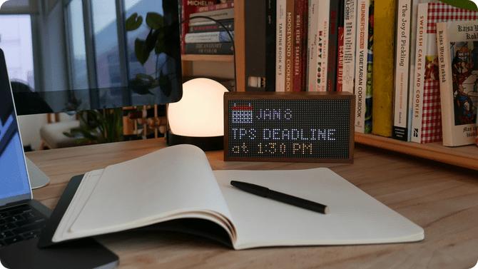 Tidbyt — умный дисплей в ретрофутуристическом стиле