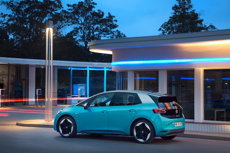 Автомобили Volkswagen ID.3 и ID.4 начнут обновляться «по воздуху» в России и Европе