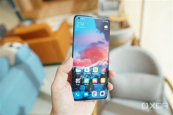 У Xiaomi готовы два новых игровых смартфона – под брендами Xiaomi и Redmi