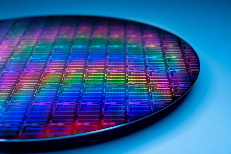 Этим процессорам Intel придётся бороться с 64-ядерными монстрами AMD. Компания расскажет о CPU IceLake-SP уже 6 апреля