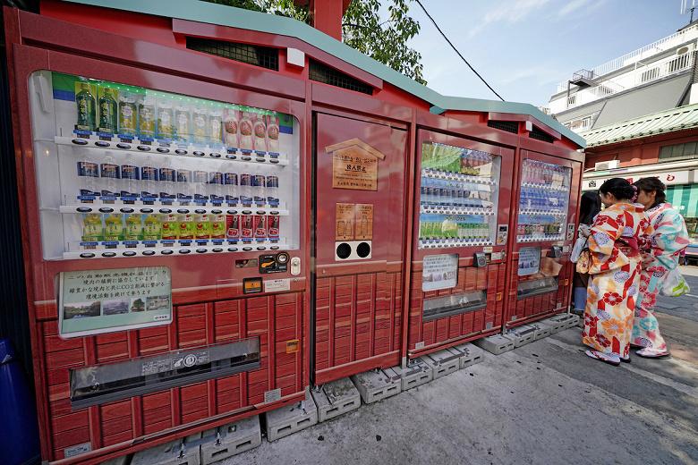 Назло пандемии: Coca-Cola запустила подписку на напитки из автоматов
