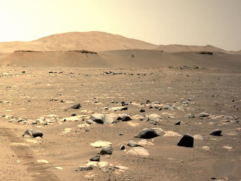 Марсианский вертолёт NASA установил рекорды в ходе третьего полёта. Фото и видео