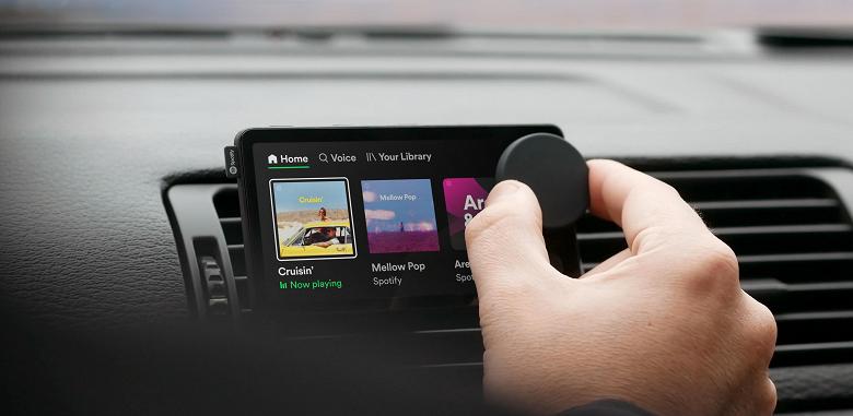 На радость автолюбителям: Spotify представила свой первый гаджет и временно раздаёт его бесплатно