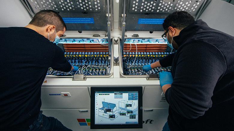 Microsoft тестирует погружную систему жидкостного охлаждения для центров обработки данных