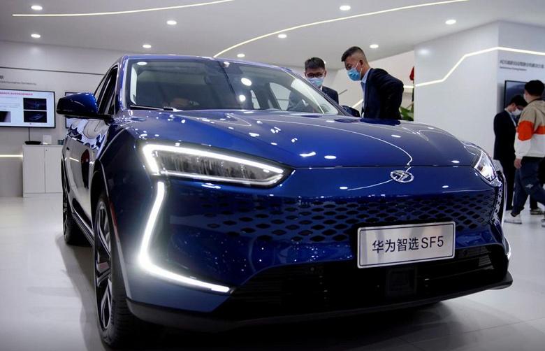 Huawei хочет приобрести контрольный пакет акций одного из китайских производителей электромобилей