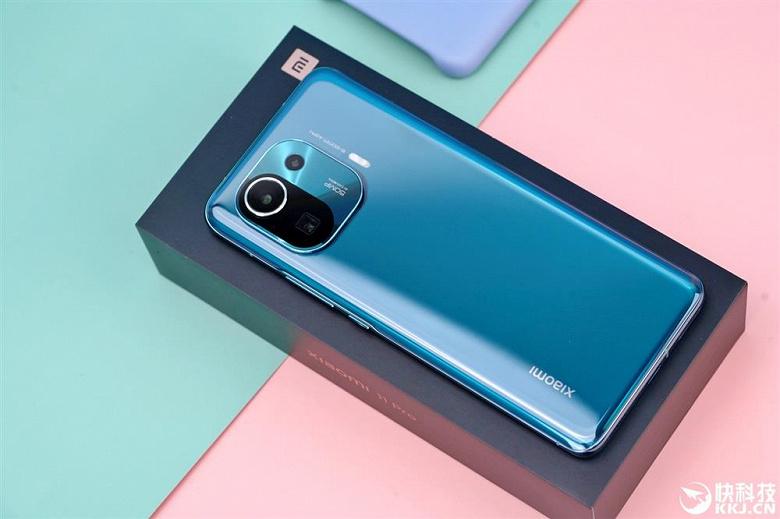 Флагманский смартфон Xiaomi Mi 11 Pro с рекордно большим датчиком изображения и IP68 появился в магазинах