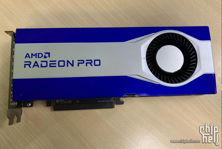 Фото дня: видеокарта AMD Radeon Pro на графическом процессоре Navi 21