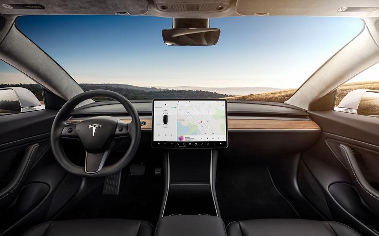 Камеры Tesla не активированы за пределами США