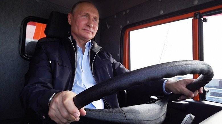 Дептранс Москвы вставил предупреждения в «Иронию судьбы» и «Ла-Ла Ленд»