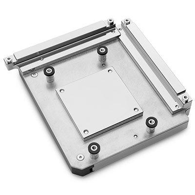 Водоблок EK-Quantum Momentum ROG Crosshair VIII Hero – Full Nickel стоит 200 евро