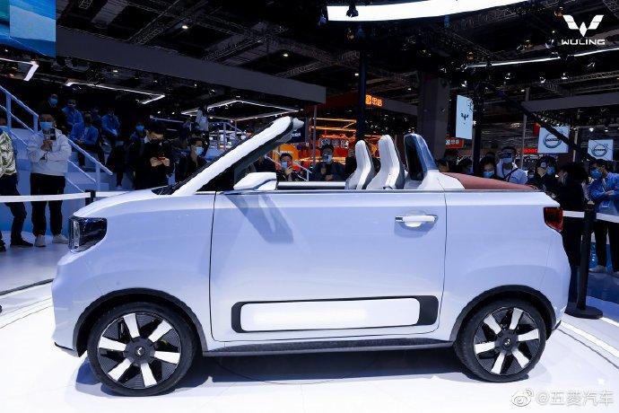 Китайский электрический кабриолет Wuling HongGuang Mini EV в следующем году поступит в продажу в Европе. Только цена будет 20000 евро вместо 4300 долларов