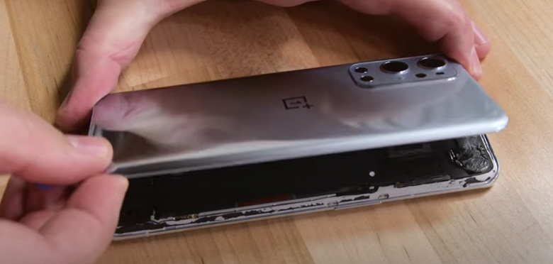 Насколько ремонтопригоден OnePlus9Pro? Специалисты iFixit разобрали смартфон и дали ответ