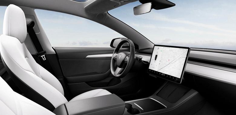 Tesla обновляет интерьер Model 3 и снова повышает цены