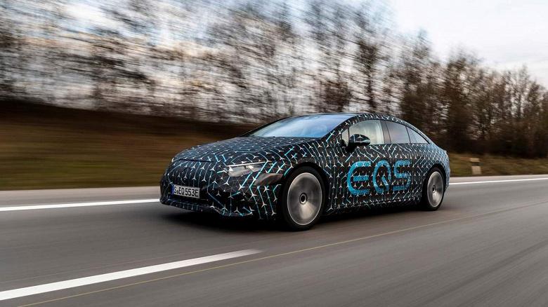 Гигантский «гиперскрин» нового Mercedes-BenzEQS впервые на видео
