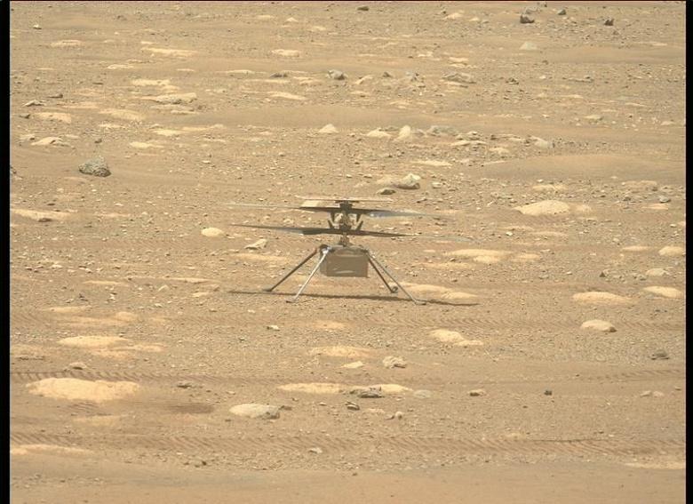 Первый марсианский вертолёт Ingenuity разминает крылья