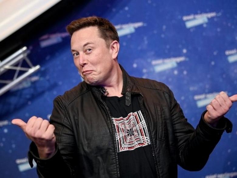 Илон Маск сделал выбор между криптовалютой и обычными деньгами