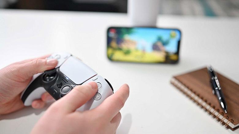 На iPhone теперь можно удалённо играть в Sony PlayStation 5 с контроллером DualSense