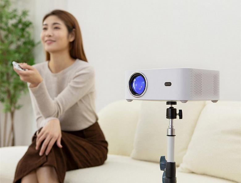 Представлен 100-долларовый проектор Xiaomi