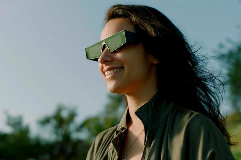 Представлены умные очки Spectacles 4 с волноводными дисплеями и сенсорной панелью