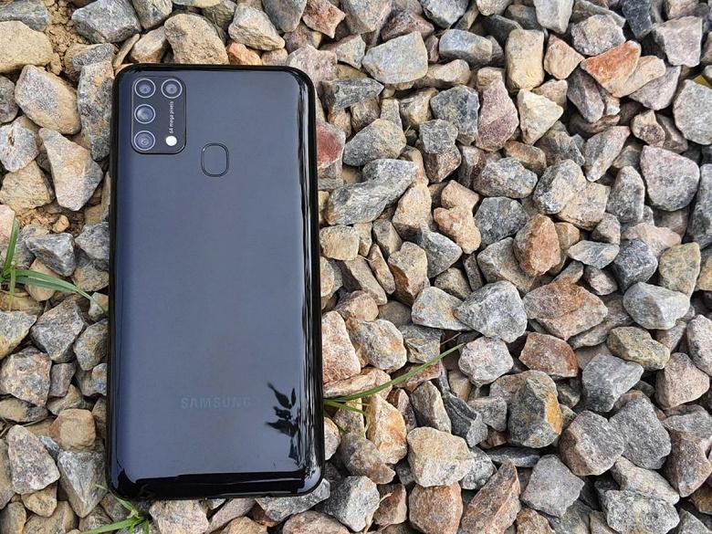 SamsungGalaxyM32 — огромный аккумулятор и небольшой шаг назад по производительности. Стала известна платформа аппарата