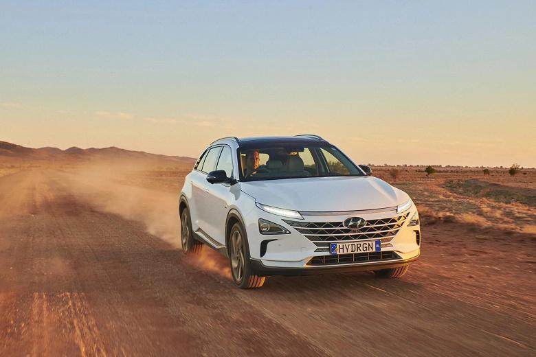 Водородный автомобиль проехал на одной заправке почти 900 км. HyundaiNexo установил очередной рекорд